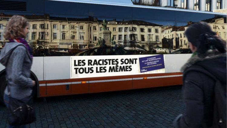 un bus de la stib avec un slogan de la campagne